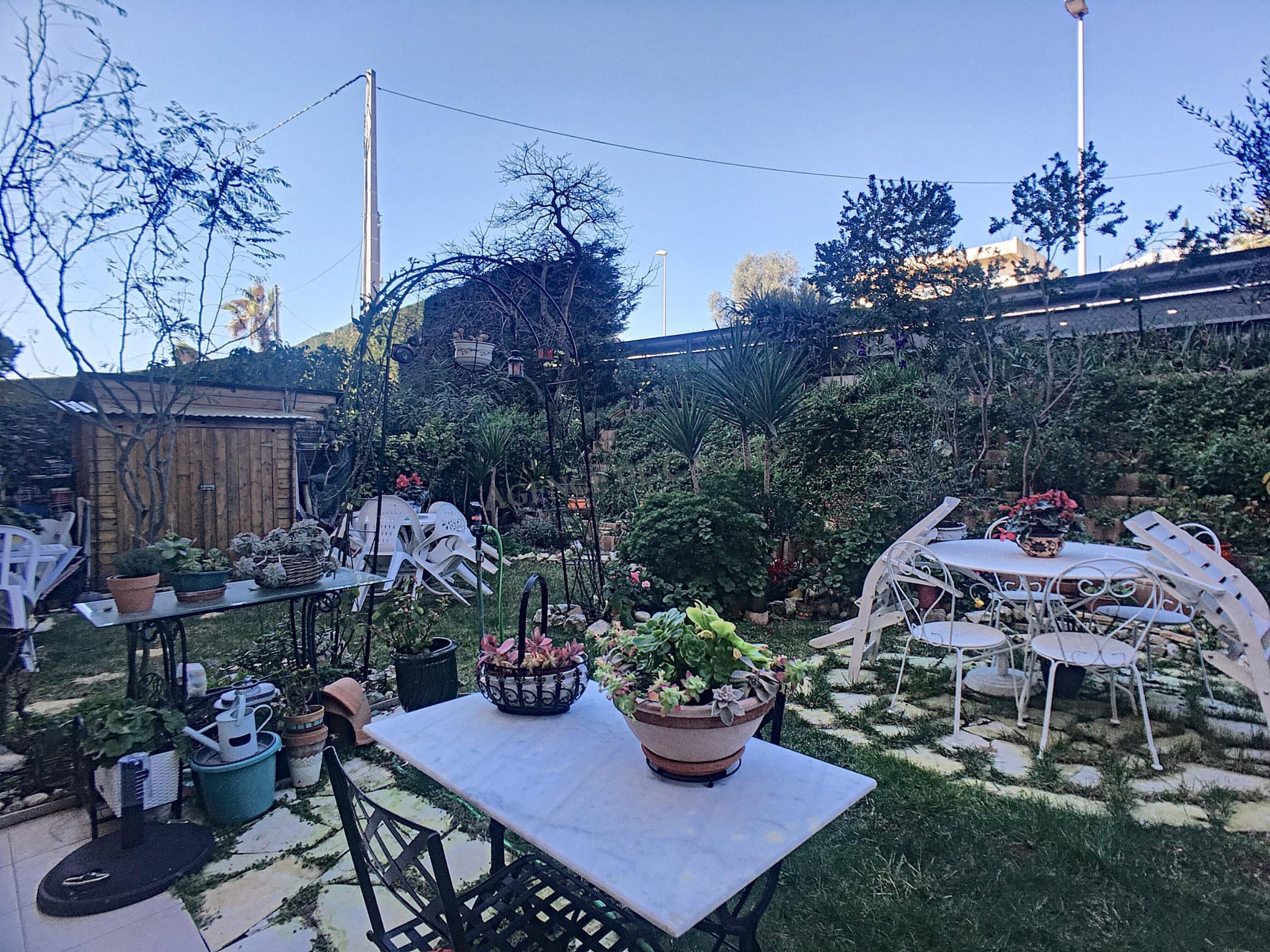 Saint-Laurent du Var, Plateaux Fleuris, 3 pièces, terrasse, jardin,  piscine, parking privé