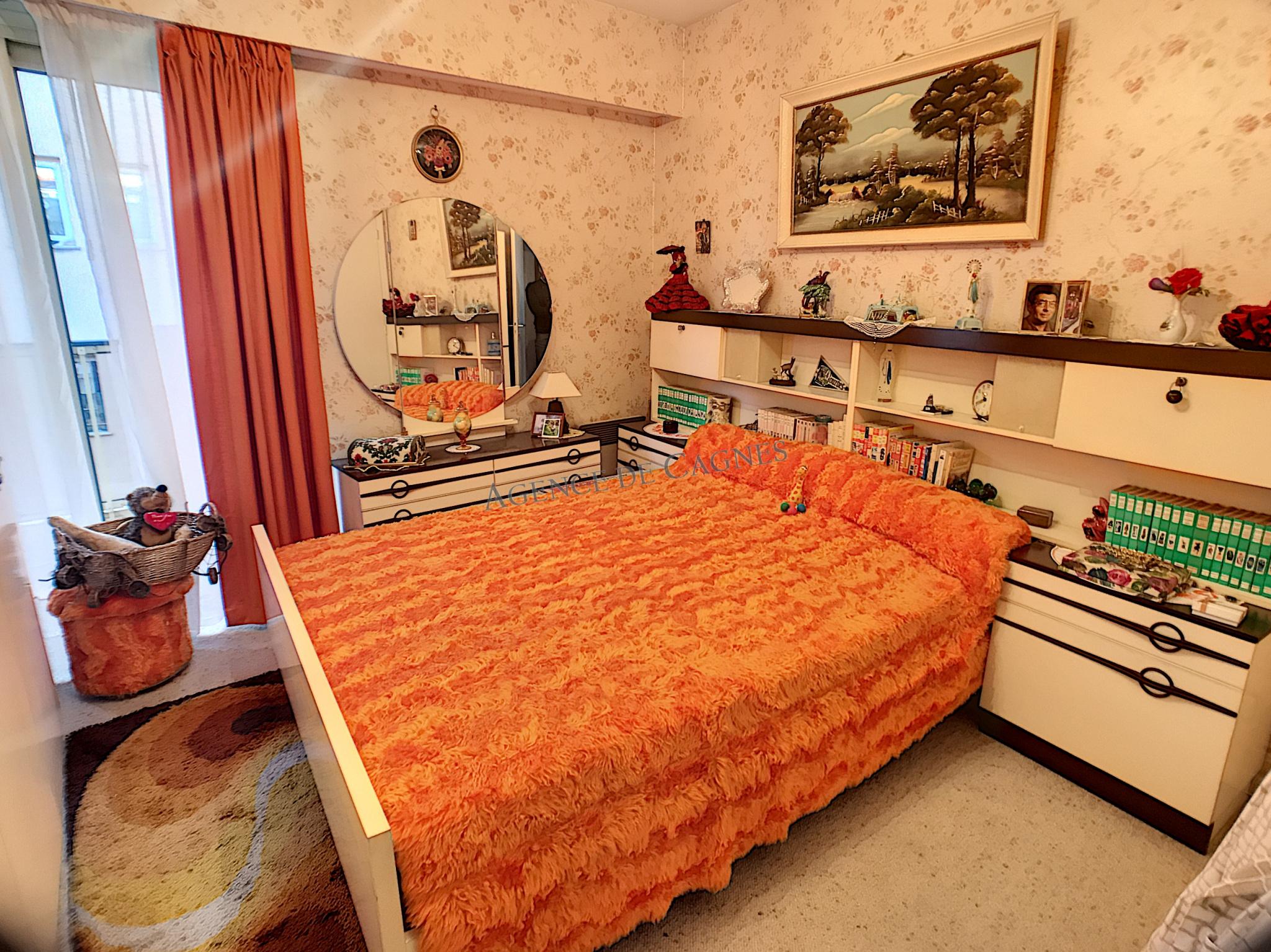 vente viager occupe cagnes sur mer 3 4 pi ces dernier tage garage agence de cagnes. Black Bedroom Furniture Sets. Home Design Ideas